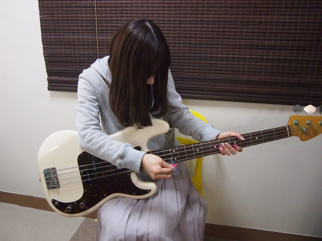 ギター 弦 高 調整
